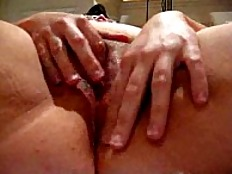 Fingering my pussy and Squirting