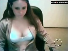 Pretty Teen Girl on Webcam - OnlyXcams.com