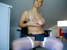 Busty webcam blonde fingers her cunt