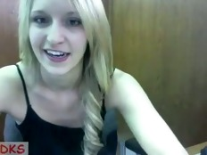 Teen blondie showing her goodies on webcam